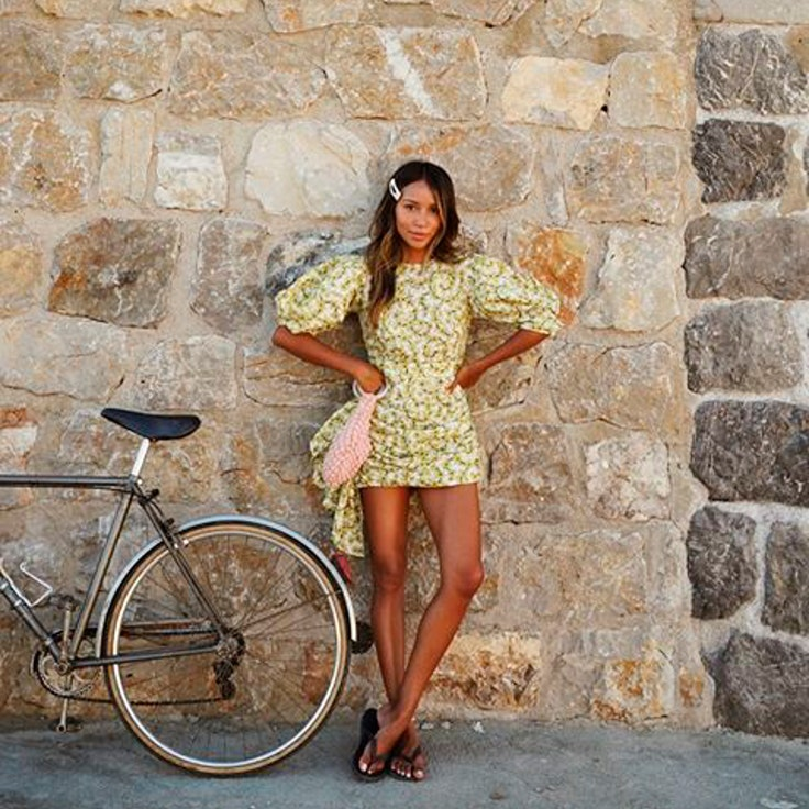 Julie Sariñana vestidos cortos