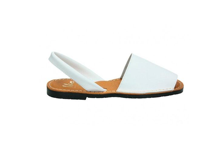 sandalia blanca menorquina calzado verano loogo