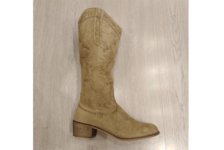 botas altas beige cowboy love story