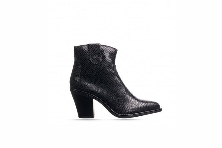 botas negras rock and shoes Nuria Roca