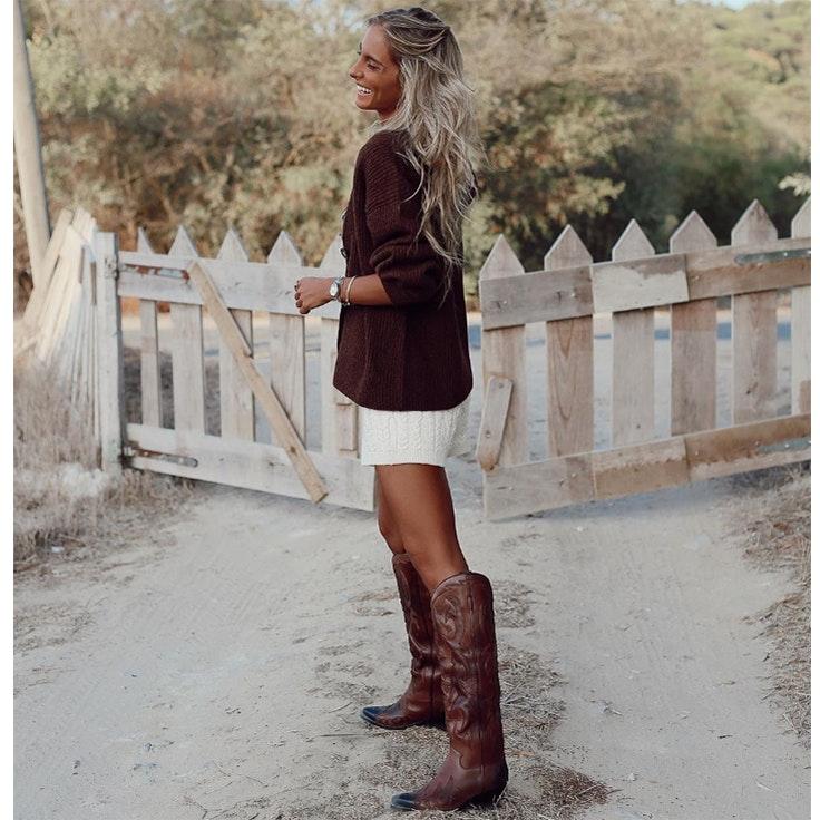 paula Argüelles estilo calzado de otoño botas cowboy