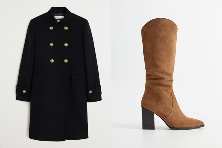 abrigo negro con botones y botas altas marrones de mango