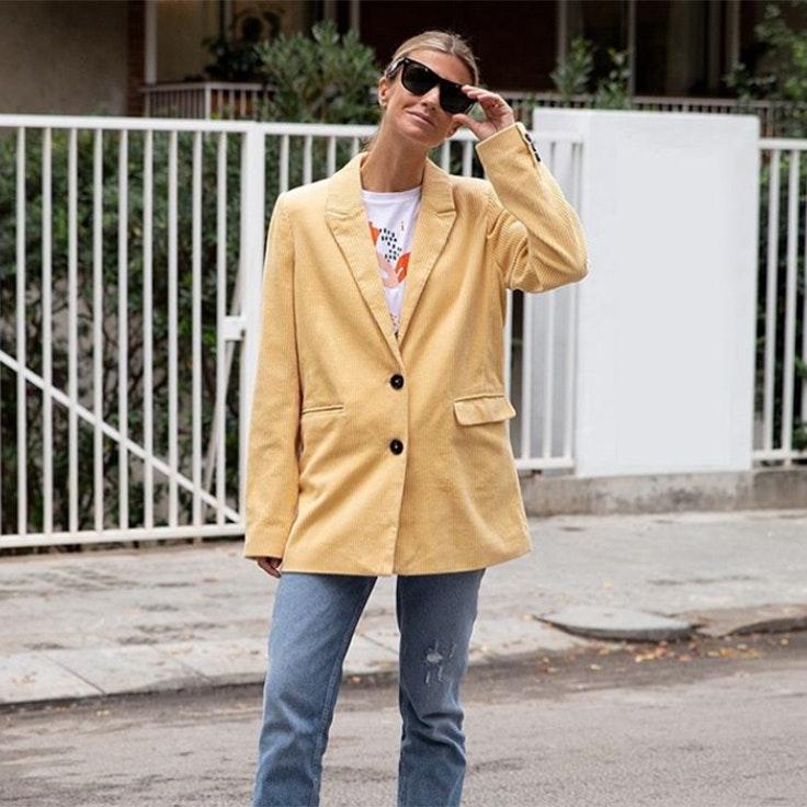 patricia sanes chaqueta americana amarilla