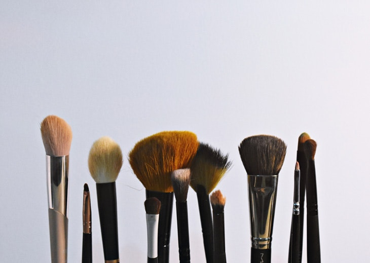 lavar brochas maquillaje