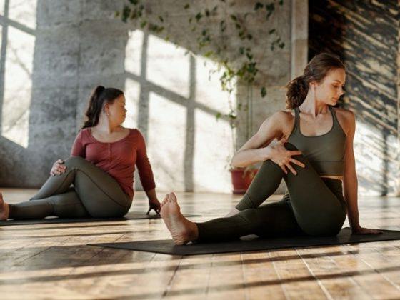 toma contacto yoga