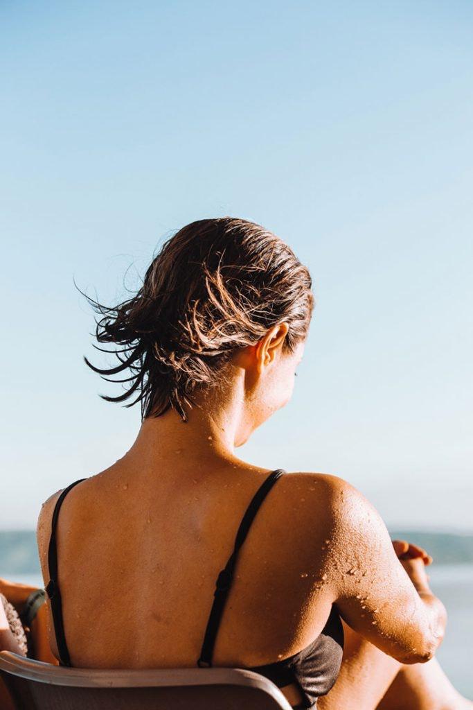 proteger cabello playa piscina