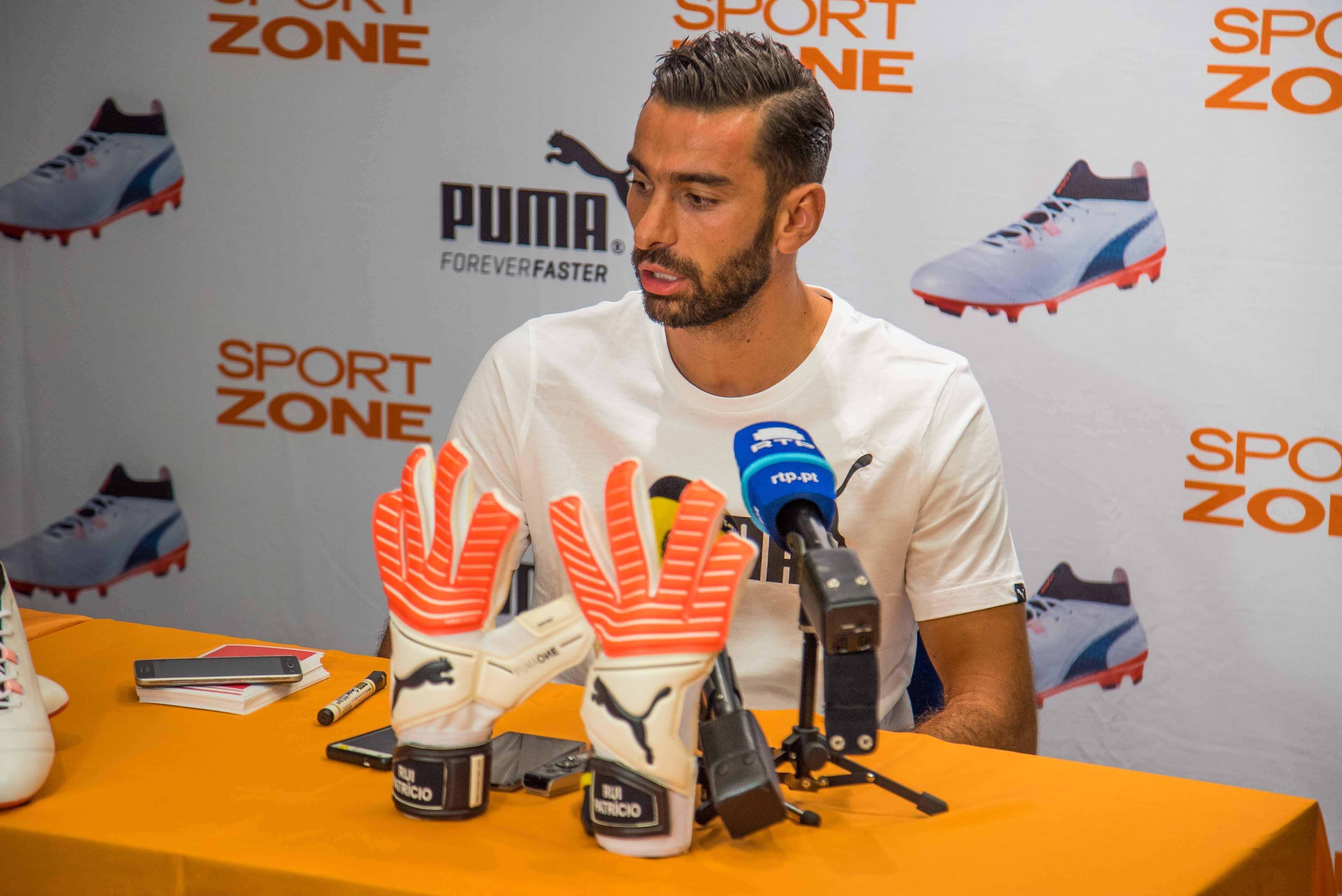 Rui Patrício apresentou chuteiras Puma MadeiraShopping