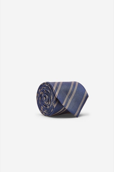 Clássica | Cortefiel, 39,99€