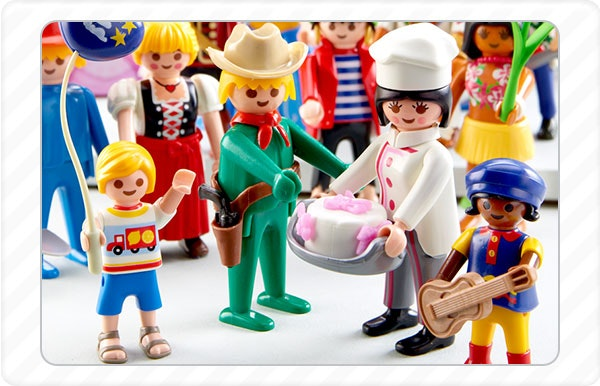 2014 - As figuras da Playmobil celebram 40 anos.