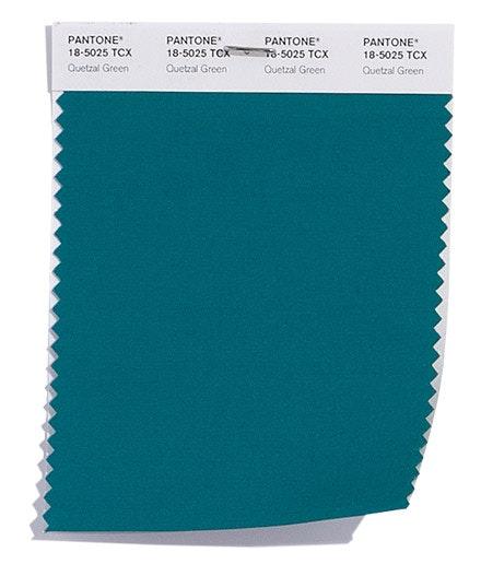 Quetzal Green   Um verde azulado elegante e profundo.