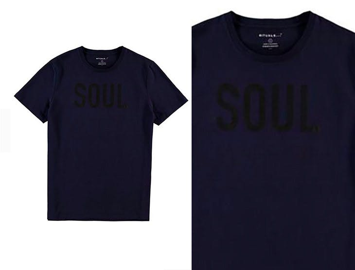 Las camisetas con mensaje para él, una tendencia en alta