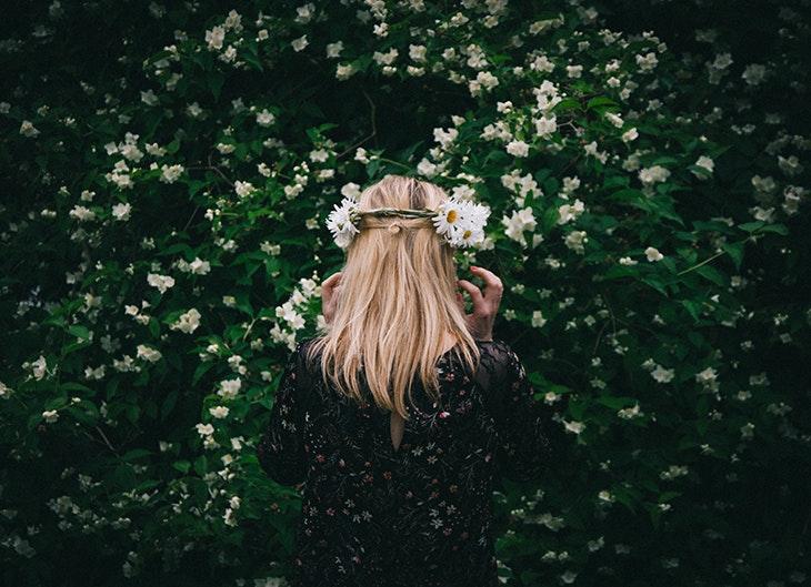 Combina las diademas de flores de mil maneras