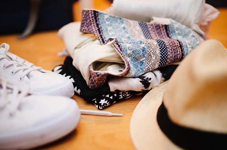 Los 4 imprescindibles que no pueden faltar en tu equipaje de mano este verano
