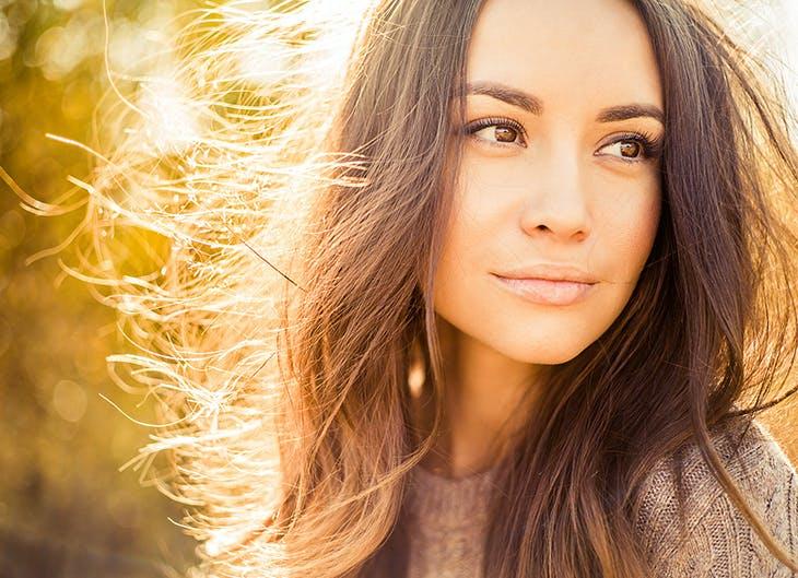 cuidados del cabello en otoño para evitar la caída del pelo