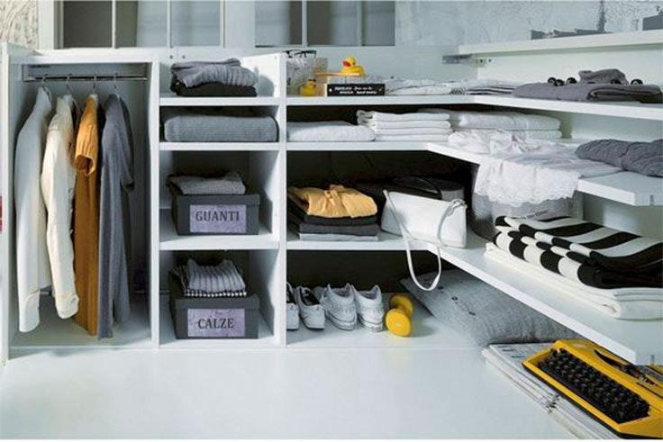 Ejemplo de usar compartimentos para ordenar tu armario.