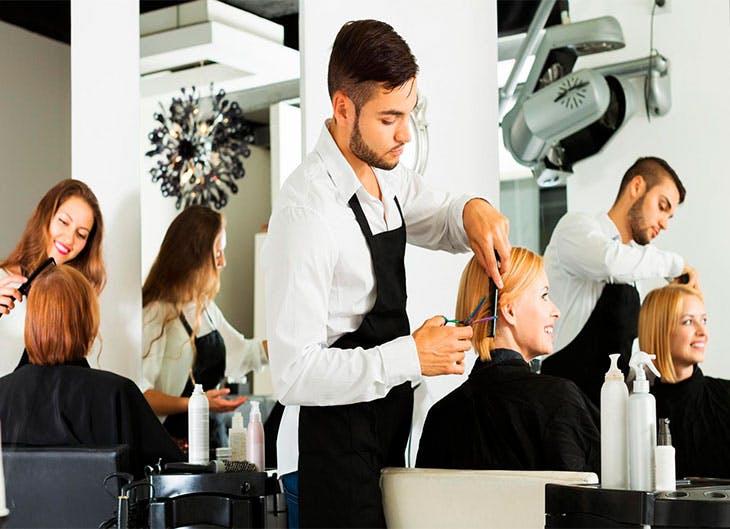 cortes de pelo que te hará parecer más joven