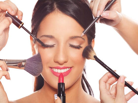 Mantener limpias tus brochas de maquillaje