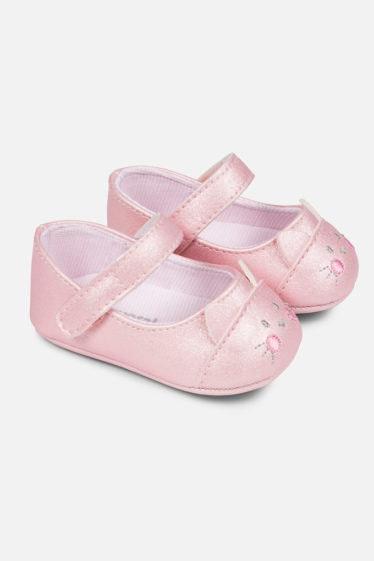 zapatos de bebé rosas