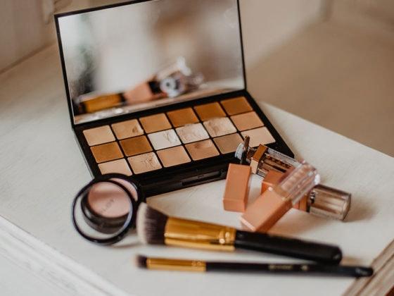 https://www.maxcenter.com/lifestyle/articles/cuatro-tips-para-un-maquillaje-perfecto/