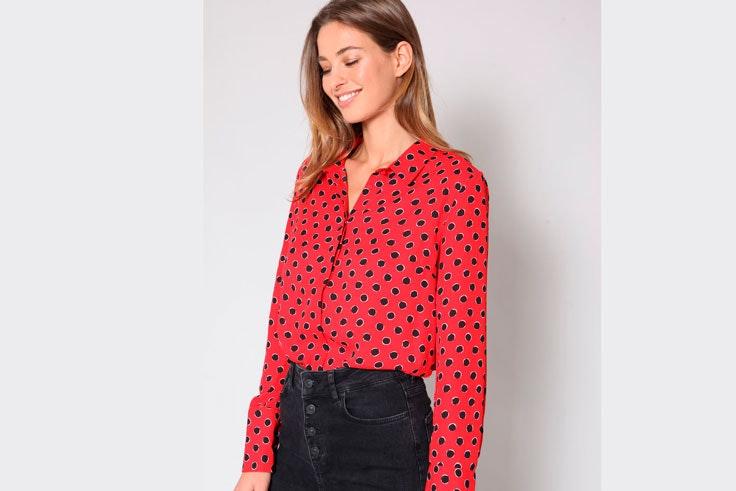 camisa-estampada-roja-pimkie