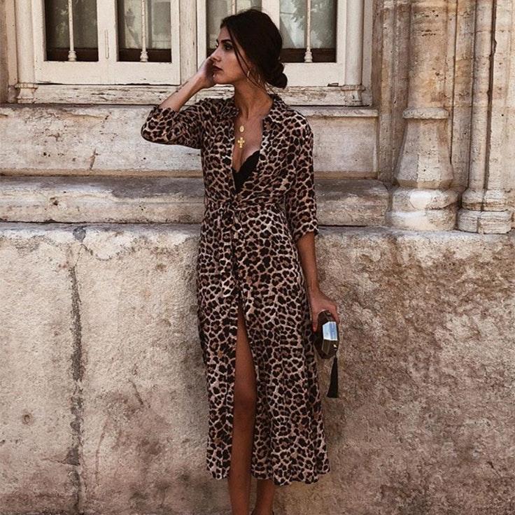 mery-turiel-vestido-camisero-estampado-leopardo