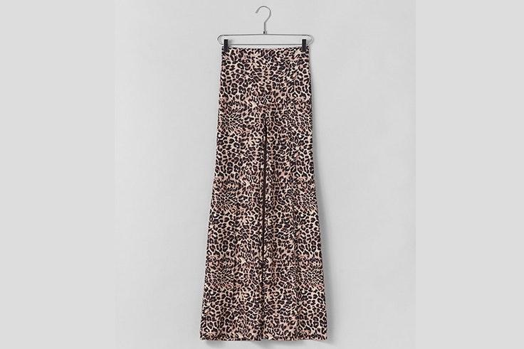 pantalon-campana-estampado-leopardo-bershka