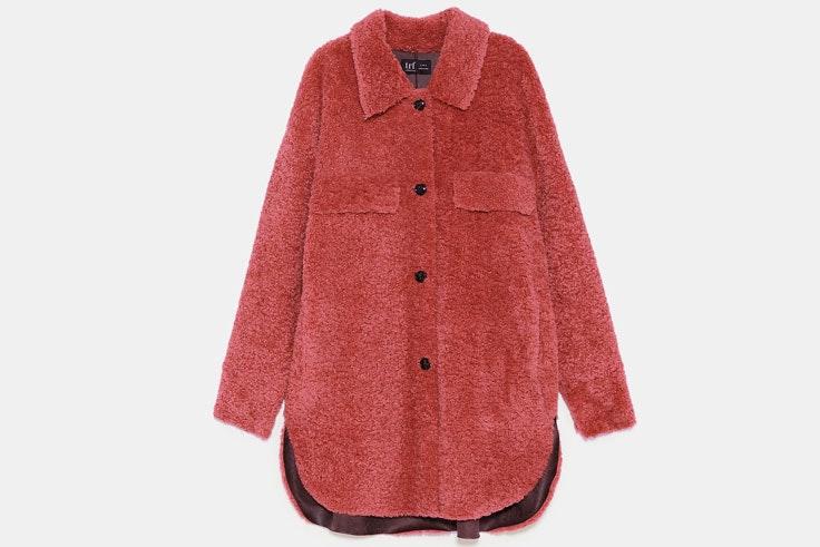 borreguito-rosa-sobre-camisa-zara-2