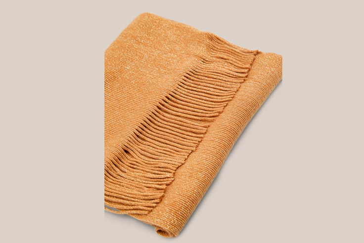 bufanda-mostaza-con-lurex-cortefiel