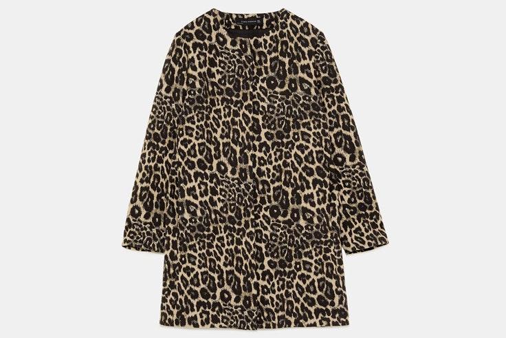 abrigo-estampado-leopardo-zara