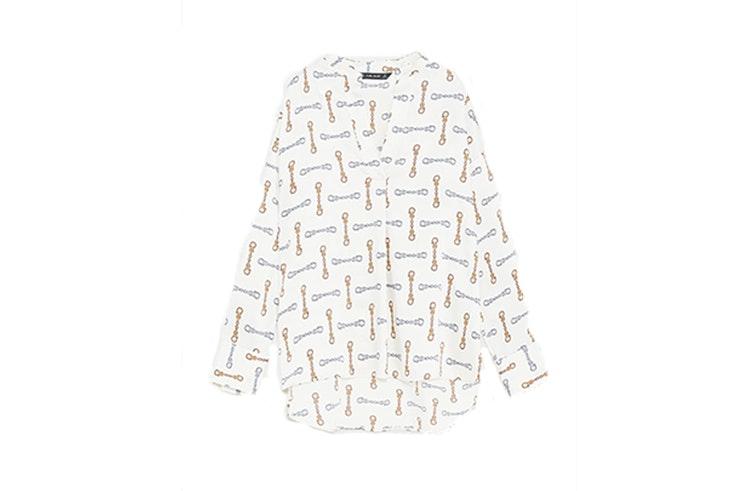 Blusa estampado cadenas (9,99€) de ZARA