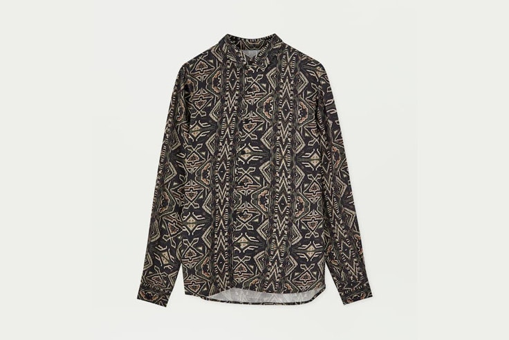 camisa-estampado-etnico-pull-and-bear