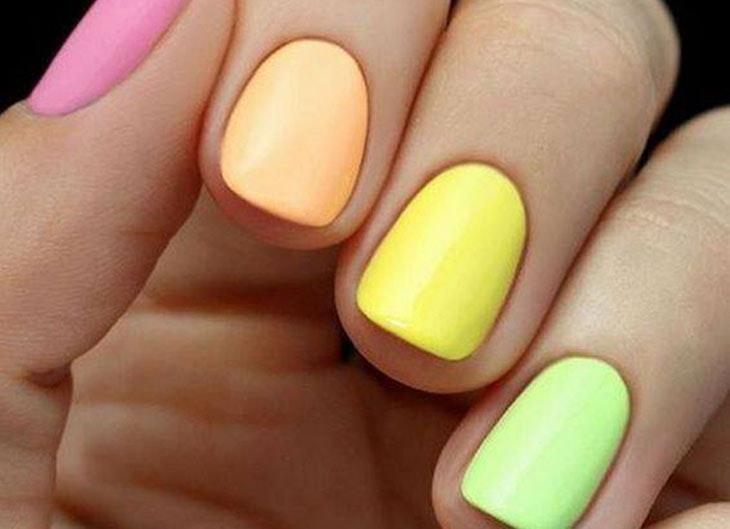 manicura multicolor