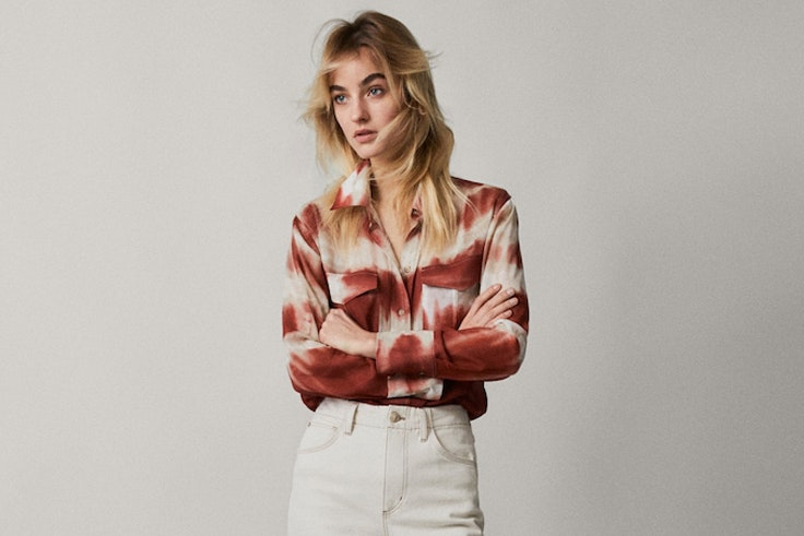 camisa-roja-tendencia-tie-dye-massimo-dutti
