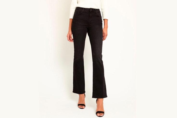 pantalon-negro-jeans-flare-pimkie