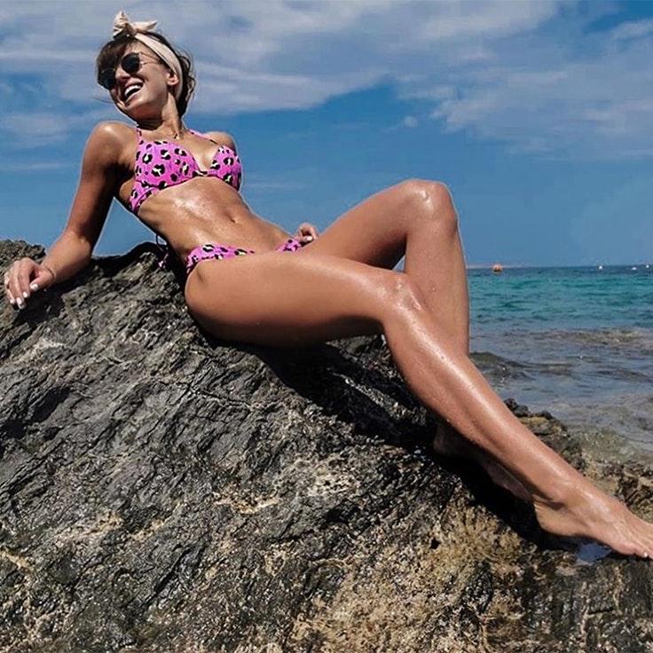 anna lewandowska bikini rosa estampado leopardo animal print calzedonia