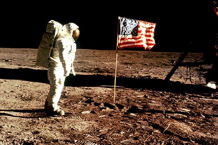 Apollo-11-pisa-luna