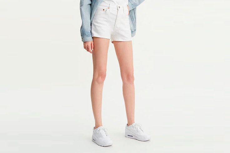 shorts blancos levis imprescindibles de agosto