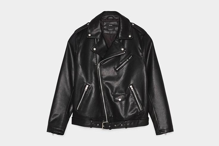 chaqueta negra cuero bershka