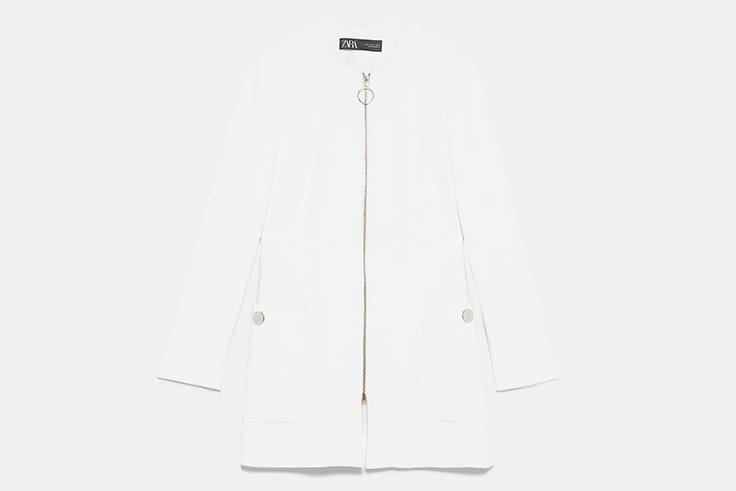 chaqueta abrigo blanca con cremallera zara