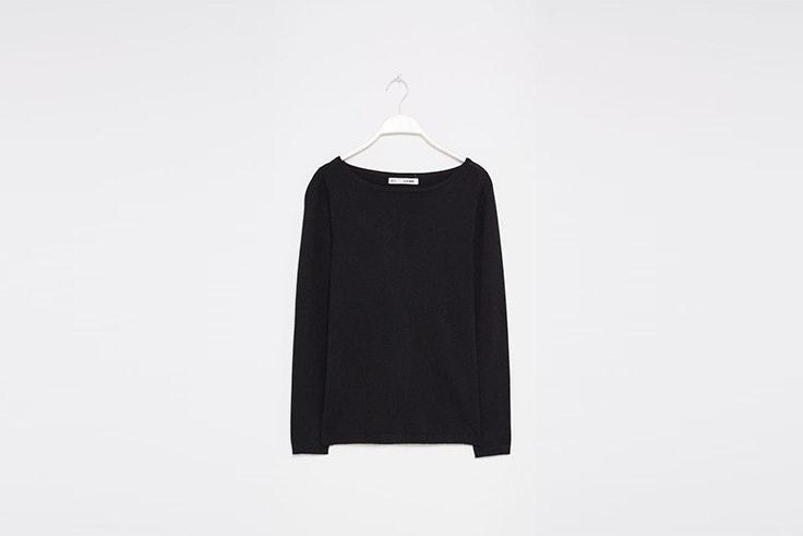 jersey negro basico cuello barco sfera Mina El Hammani