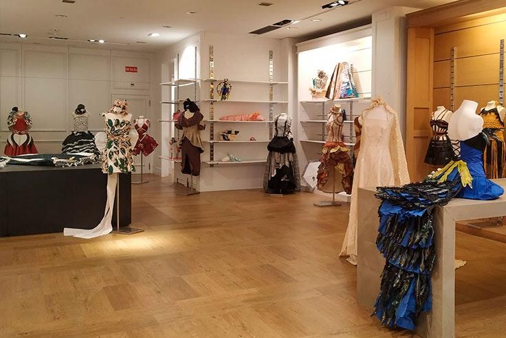 La-mejor-exposición-de-moda-Max-Center