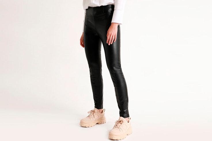 pantalon negro polipiel pimkie