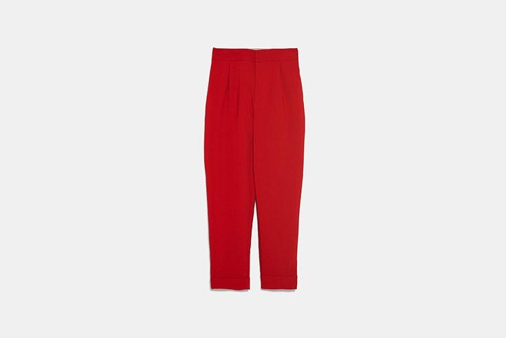 pantalon rojo zara Mina El Hammani