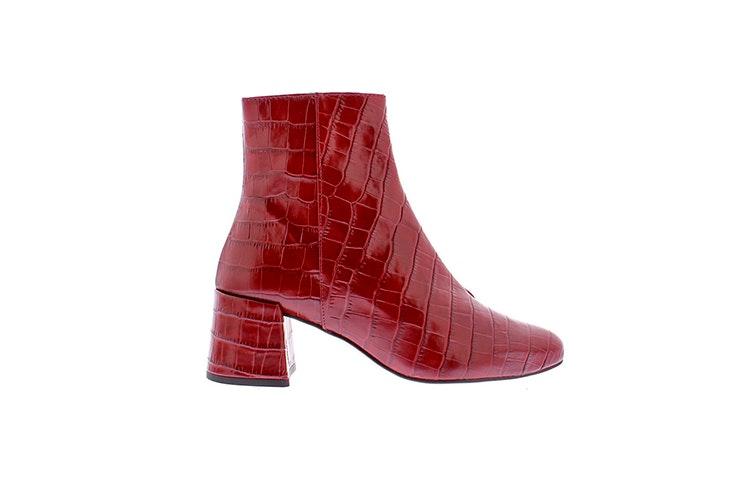 Botín rojo con textura de cocodrilo y ligero tacón de Vas