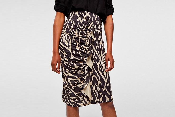 falda estampada con volante de cortefiel