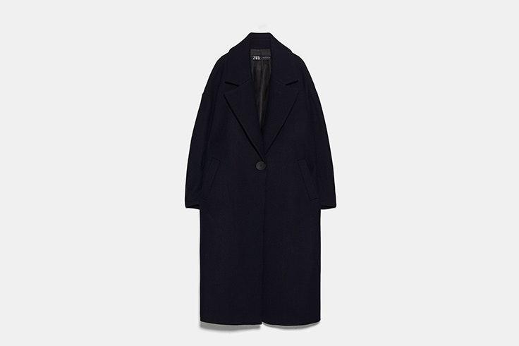 abrigo oversize con lana azul marino zara Melissa y Grace Villarreal