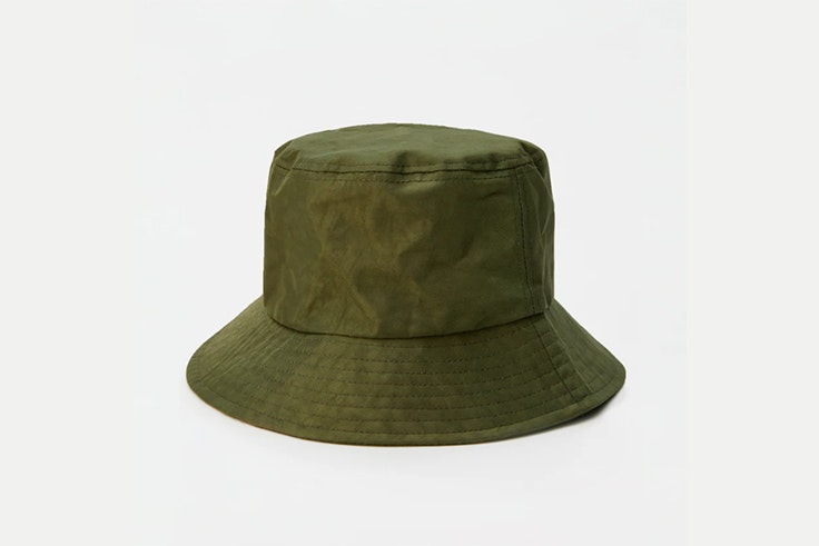 Bucket hat en color verde kaki de Pull and Bear