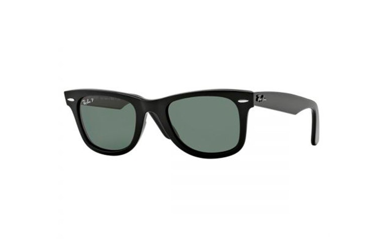 Gafas de sol wayfarer en color negro de Ray Ban. Disponible en Soloptical