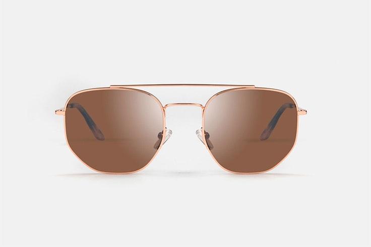 Gafas de sol de metal en color marrón de Multiópticas