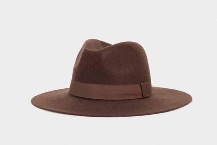Sombrero marrón con cinta de Parfois